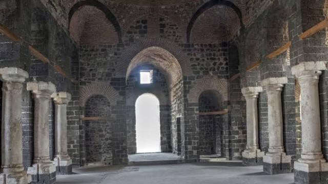 Турция възстанови 1800-годишна църква, използвана като затвор СНИМКИНовиниИнформация